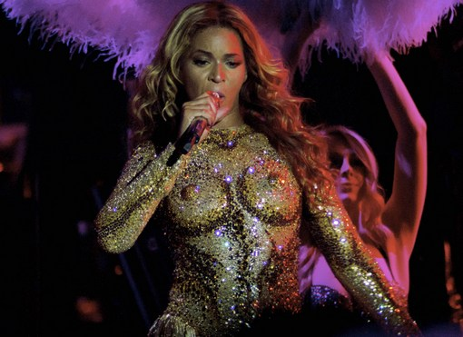Beyonce-Kicks-Off-Mrs.-Carter-World-Tour-in-Serbia-2